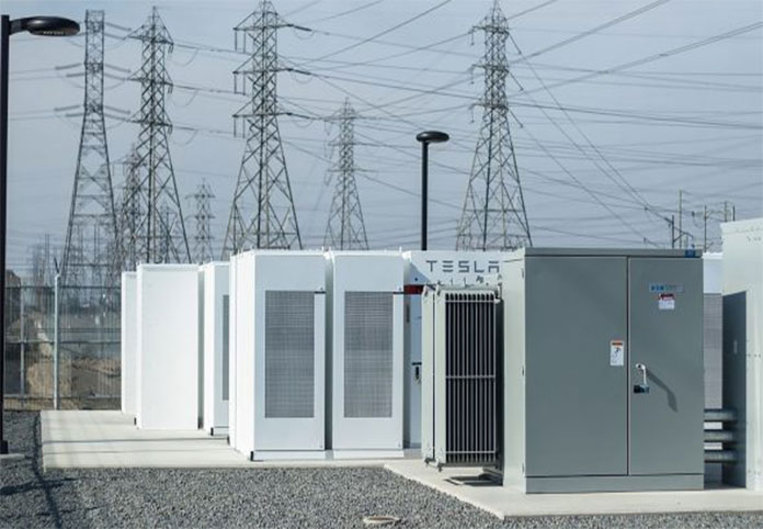 Tesla installed 100-megawatt battery in Australia